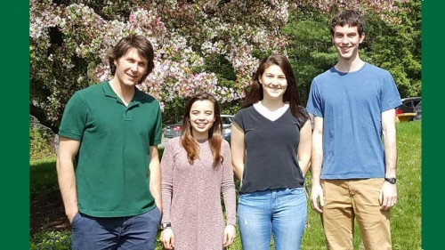members of the collaboration between undergraduate and graduate researchers in katharine mirica's chemistry lab